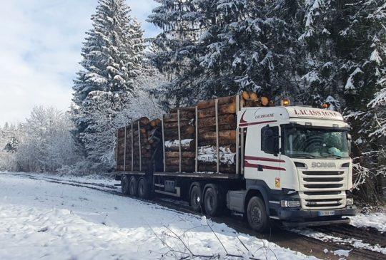 Camion Lacassagne dans la neige