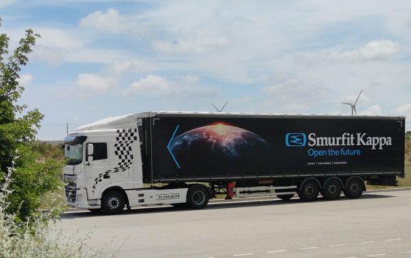 Camion Lacassagne en location avec conducteur chez SMURFIT